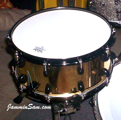 Photo of Billy Hammond's snare with Mirror Gold drum wrap (4)