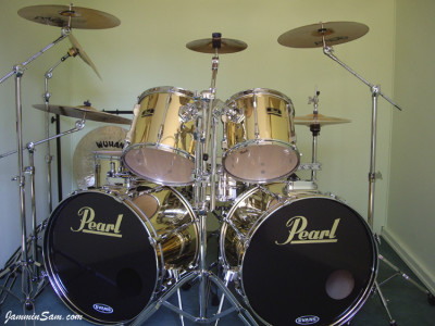 Photo of Mike Ward's Pearl drums with Mirror Gold drum wrap (25)