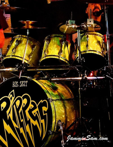 Photo of Richard Schittenhelm's drums with neon Lime Satin drum wrap (81)