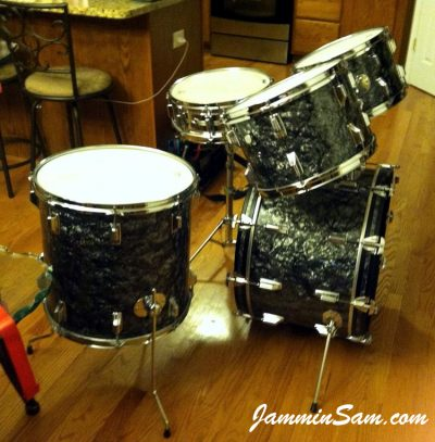 Photo of Chris Casarcia's Rogers set of drums with Vintage Black Diamond Pearl drum wrap (1)