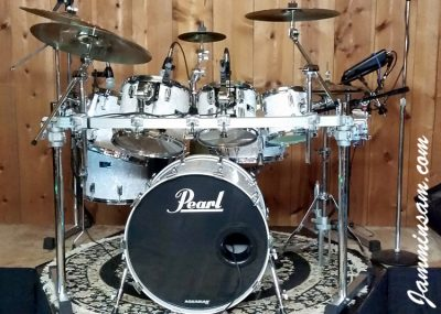 Photo of Jerry Pate's Pearl drumset with Vintage White Pearl drum wrap (5)
