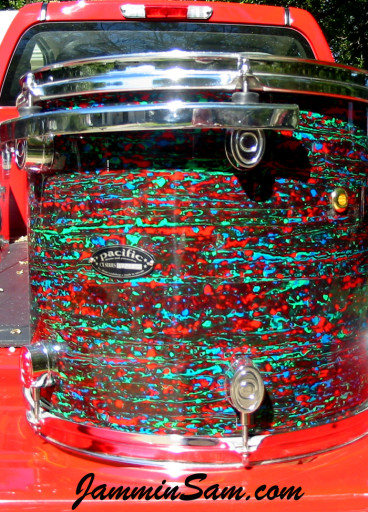 Photo of Barry Smith's Pacific drumset with Psychedelic Red drum wrap (3)