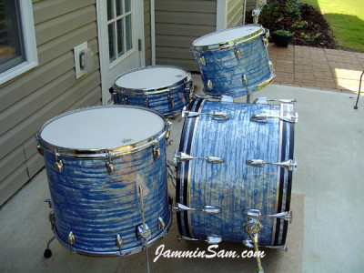 Photo of Davey Staton's drums with Retro Sky Blue Pearl drum wrap (1)
