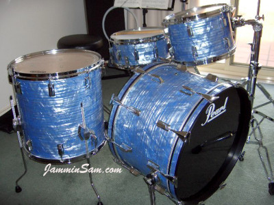 Photo of Jim Moody's Pearl drums with Retro Sky Blue Pearl (1)