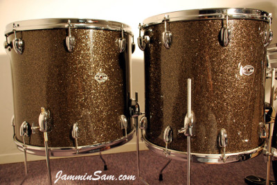 Photo of Dave Wade's Slingerland drums with Rootbeer Glass Glitter drum wrap (2)