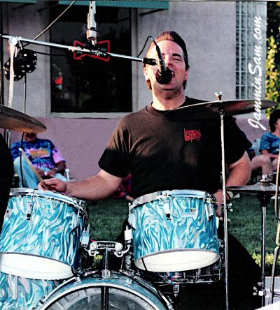 Photo of Joe Ullo's Ludwig drums wrapped with Turquoise Satin Flame  (1)