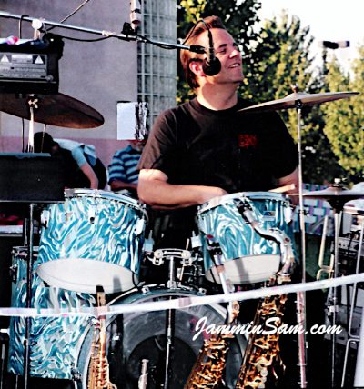 Photo of Joe Ullo with his Ludwig drums wrapped with Turquoise Satin Flame (2)