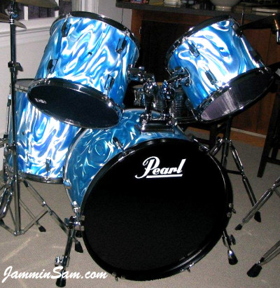Photo of John Babyak's Pearl drum kit with Satin Fire (60's) Blue (2)