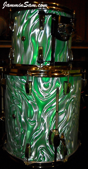 Photo of Eric Seelig's drums with Fire Green Satin drum wrap (3)