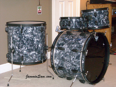 Photo of Randy Workman's Apollo drums with Sea Shell Pearl drum wrap (25)