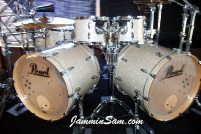 Photo of Al Percival's Pearl drums with Silver Glass Glitter drum material (1)