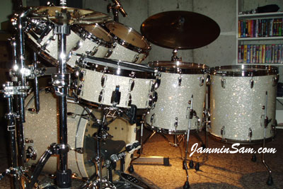 Photo of Bill Heitman's Pearl drum kit with Silver Glass Glitter drum covering (3)
