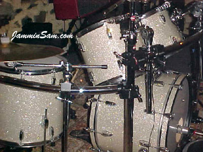 Photo of Fred Germano's drums with Silver Glass Glitter drum material (1)