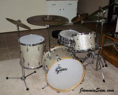 Photo of Larry Abbott's Gretsch drum set with Silver Glass Glitter drum wrap (2)