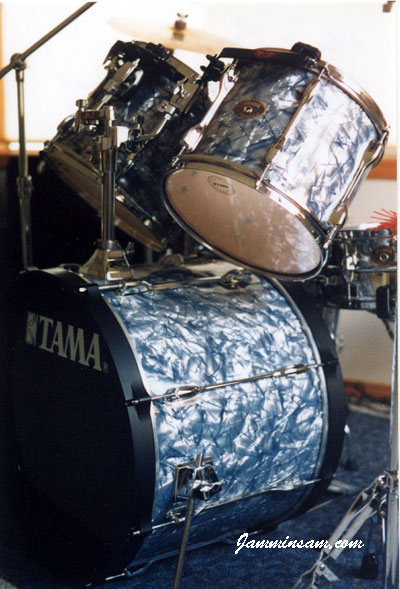 Photo of Mark Bertoglio's Tama Rockstars with Silver Smoke Pearl drum wrap