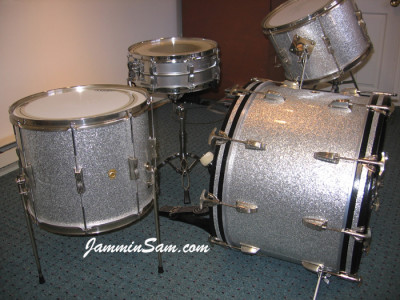 Photo of Bob Major's Ludwig drum set with Silver Vintage Sparkle drum wrap (2)