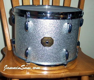 Photo of Paul Varhol's Gretsch tom drum with Silver Vintage Sparkle drum wrap (1)
