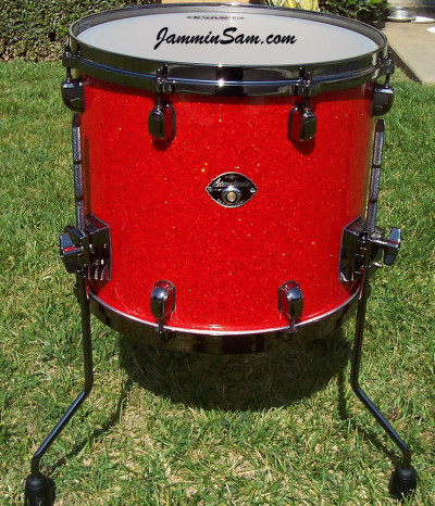 Photo of Ernest Soto's Tama floor tom with Super Tangerine Glass Glitter drum material (3)
