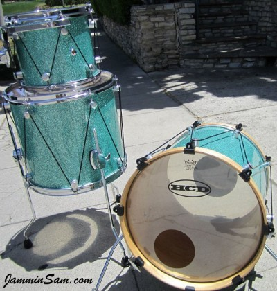 Photo of Matt Smith's tom with Turquoise Glass Glitter drum wrap (80)