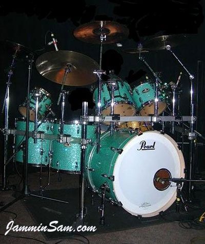 Photo of Scott Schroeder's Pearl drums with Turquoise Glass Glitter drum wrap (5)