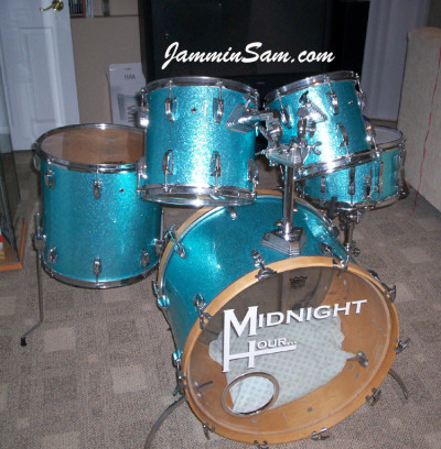 Photo of Nick Lamorgese's Ludwig drums with Turquoise Vintage Sparkle drum wrap (2)