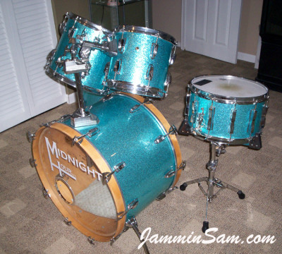 Photo of Nick Lamorgese's Ludwig drums with Turquoise Vintage Sparkle drum wrap (3)