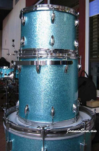 Photo of Will Sahs' drums with Turquoise Vintage Sparkle drum wrap (1)