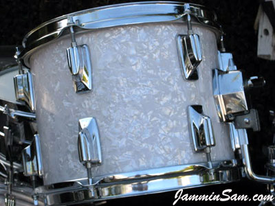Photo of Howard Brodwin's Tama drums with Vintage White Pearl drum wrap (2)