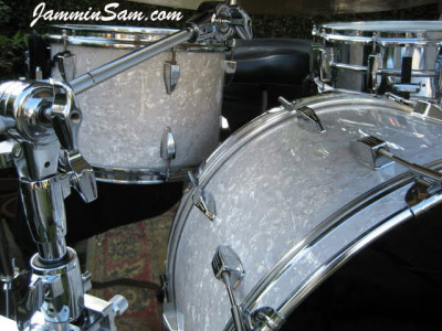 Photo of Howard Brodwin's Tama drums with Vintage White Pearl drum wrap (5)