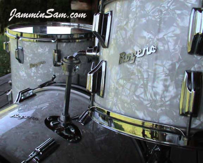 Photo of Jay Ganz's Rogers drumset with Vintage White Pearl drum wrap (1)