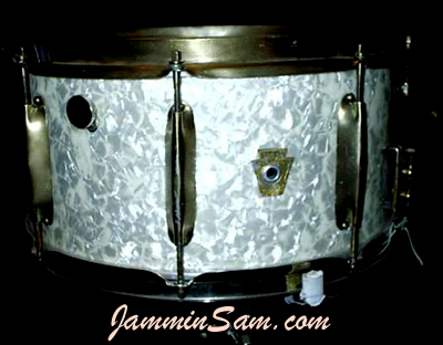 Photo of Steve Maniscola's Ludwig Snare with Vintage White Pearl drum wrap (2)