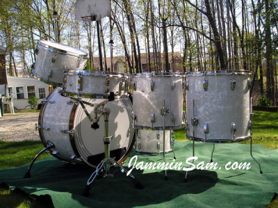 Photo of Vince Galeano's Ludwig drums with Vintage White Pearl drum wrap (3)