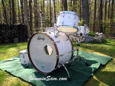 Photo of Vince Galeano's Ludwig drums with Vintage White Pearl drum wrap (4)