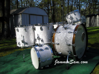 Photo of Vince Galeano's Ludwig drums with Vintage White Pearl drum wrap (5)