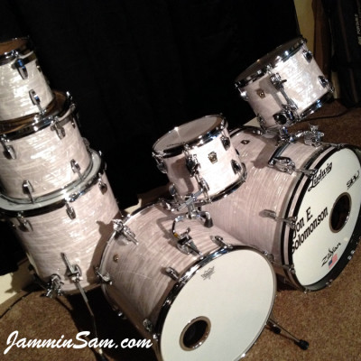 Photo of Jon Solomonson's Ludwig Classic drums with Vintage Marine Pearl (8)
