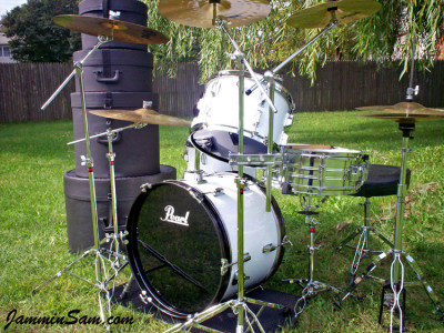 Photo of Bruce Johnson's Pearl drum set with JS Hi Gloss White drum wrap (5)