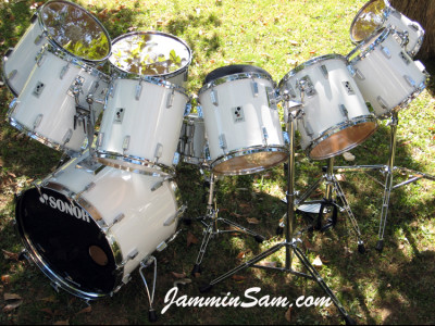 Photo of Gunnar Swensen's Sonor drum kit with JS Hi Gloss White drum wrap (1)
