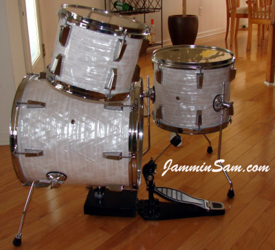 Photo of Bill Goff's Ludwig Mini kit with 60's White Pearl drum wrap (2)