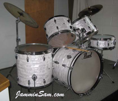 Photo of Bill Trewhella's Pearl drums with 60's White Pearl drum wrap (5)