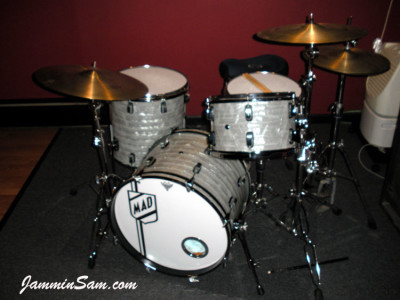 Photo of Mike D'Ambrosio's drums with 60's White Pearl drum wrap (1)