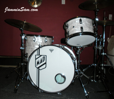 Photo of Mike D'Ambrosio's drums with 60's White Pearl drum wrap (2)