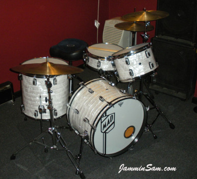 Photo of Mike D'Ambrosio's drums with 60's White Pearl drum wrap (3)