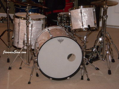 Photo of Randall Workman's Yamaha drums with 60's White Pearl drum wrap (15)
