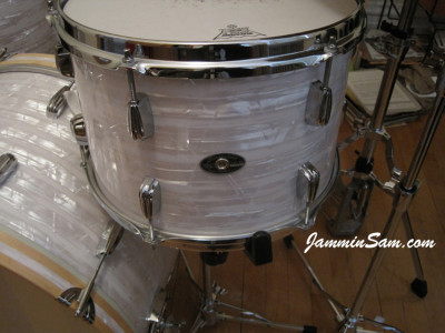 Photo of Shannon Edens' Slingerland drums with 60's White Pearl drum wrap (95)