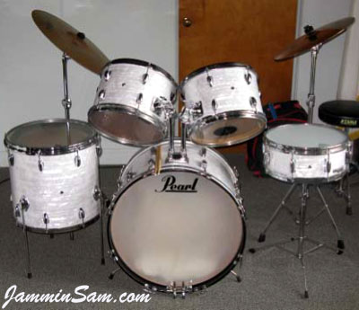 Photo of Bill Trewhella's Pearl drums with 60's White Pearl drum wrap (6)