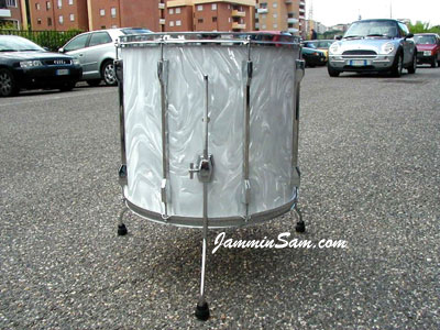 Photo of Guido Innocenzi's floor tom with White Satin Flame drum wrap (1)