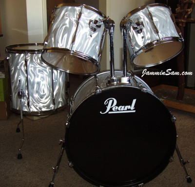 Photo of Rick Daub's Pearl kit with White Satin Flame drum wrap (9)